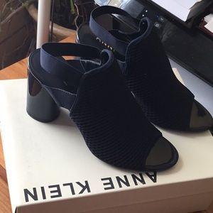 Anne Klein sandals blue Size 7.5
